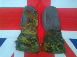 EX ARMY MILITARY GERMAN CAMO GORTEX LINED EXTREME COLD MITTENS